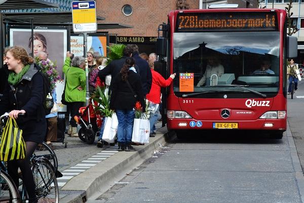 Extra bussen rond Bloemetjesmarkt