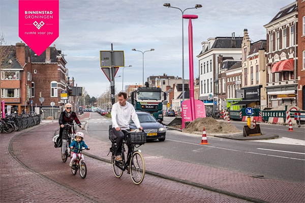 Centrumhalte aangekondigd met roze schep
